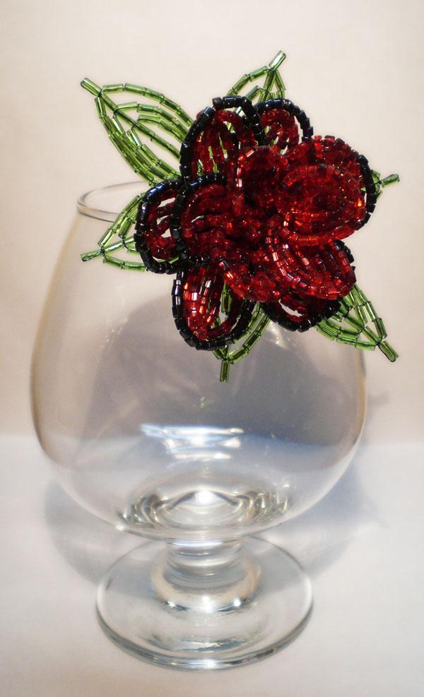 Цветок из стекляруса