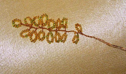 Веточка березы из бисера и проволоки