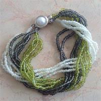 Простой браслет из бисера источник. http://mimastera.ru Браслет из бисера, который для нашего сайта предоставил сайт...