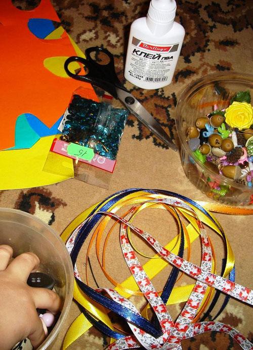 Материалы для изготовления елочки из картона