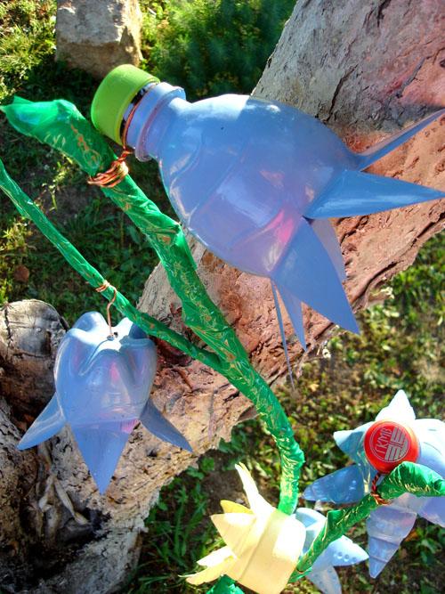 Сборка цветов из пластиковых бутылок