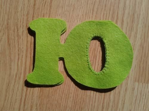 Сшиваем обе половинки буквы