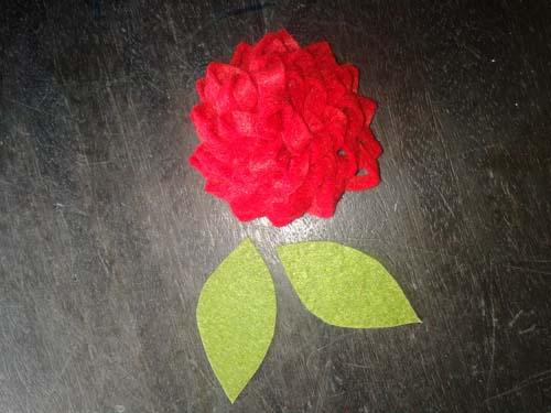 Заготовки цветка и листьев из фетра