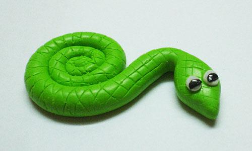 Змея из полимерной глины