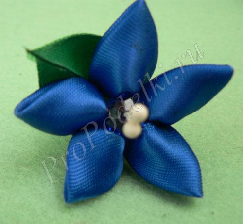 Синий цветок канзаши