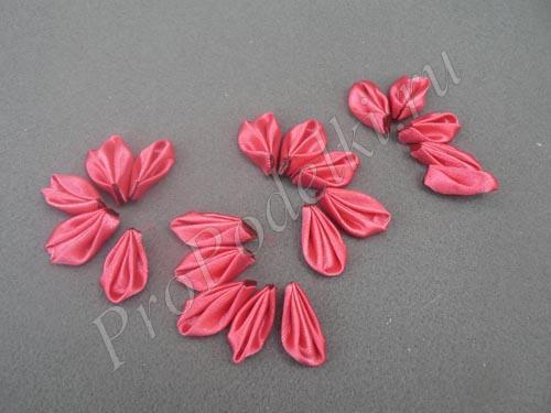Формируем цветы из лепестков
