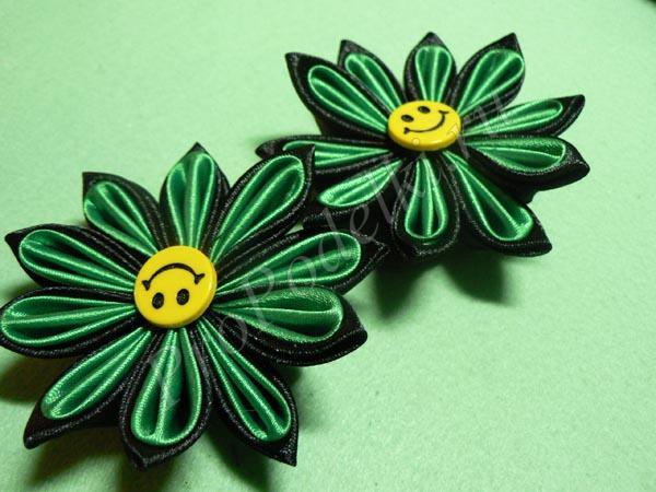 Цветочки с острыми двухцветными лепестками