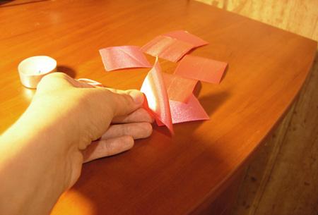 Изготовления лепестка цветка из ленты