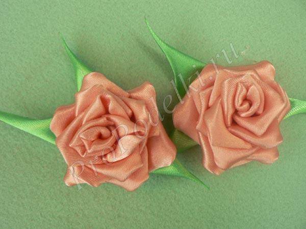 Розочка канзаши сделанная из лент