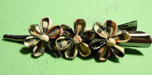 Заколка с цветами канзаши сделанная своими руками