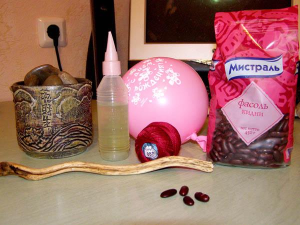 Материалы и инструменты для изготовления дерева из фасоли