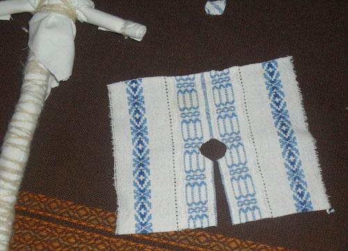 Подготовка ткани для распашонки куклы-мотанки