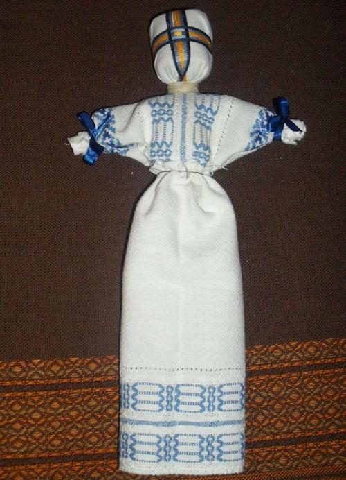 Крепление юбки на кукле-мотанке