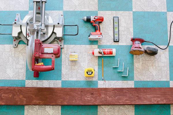 Материалы и инструменты для изготовления деревянной полки